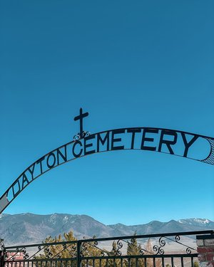 """Since I was directed by the locals to visit the cemetery on my old town Dayton tour, you know I had to pay it a visit. I was told there were lots of Governors and famous people buried here. It's true, I instantly recognized the names on many of the gravestones.  Families that have built and shaped the state of Nevada, that now have streets and buildings and even towns named after them are buried here.  And lots and lots of graves simply marked """"unknown"""". The entire cemetery was very well cared for, and every grave had a flower or a flag or a shell or pretty rock left on it. Even all of those unknowns. 💐🇺🇸"""