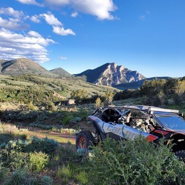 It's the weekend. Do you hear the #mountains calling? #visitelynevada #getelevated #mountainlife #mountaintown #howtonevada #ohv #offroad #sidebyside #greatoutdoors #epic #explore #adventure #photooftheday 📸: @bg_sg