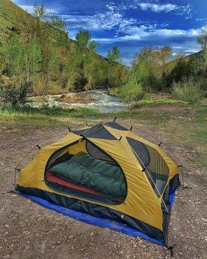 Camping by the river in Jarbidge, NV.  #BattleBornAdventureReady #AWorldWithinAStateApart #ExploreNevada  #Nevada  #NevadaLife #DontFenceMeIn  #TravelNevada #NevadaBackroads #NevadaBackcountry #only_in_nevada  #rubyvalley  #rubymountains  #rubymarsh  #bmwr1200gs #adventureriding  AltRider_official #BeemerBuddies  ClearwaterLights  #DarlaLights #EricaLights #BillieLights #DoubletakeMirror #gpscity  greenchileadv KLIM KlimMotorcycle Moto_Skiveez MotoPockets RoxSpeedFX #Sena WeiserTechnik