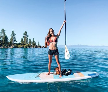 We'll all float on alright 🏄🏻♀️ . Social distanced with the old man this weekend out in North Tahoe. I swear, the beauty of this place makes every other lake I've been to look like a swamp. Swipe to the end for some quality squirrel content.  📍 If you're trying to avoid some of the crowds and partying of South Tahoe, head up north, specifically to Sand Harbor Beach for kayaking and paddle boarding. The water is chilly to say the least, and you have to drive over to Nevada to get there, but this section of the lake is one of the most beautiful! Prepare to get to this state park around 7 AM and wait in line for 8:00 entry. Parking is limited, and they close the gates for incoming visitors soon after. We had to wake up at 4:15 to get here in time!  Back on the California side of the lake, Tahoe House Bakery has some dang good eats, including their Blue Lake Tahoe and Bear sugar cookies. ———————————— #sandharborbeach #northlaketahoe #laketahoe #nevada #thingstodo #greatoutdoors #lake #paddleboarding #lakelife #laketahoeofficial #outdoors #outdoor #outdoorliving #outdooradventures #thingstodo