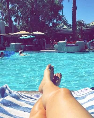 Arizona Winter 2017 ☀️???#arizonabiltmorehotelandspa #waldorfastoria #sunday #lazysunday #sundayfunday #singlelife #yolo #champagne #pool #weekendvibes #resort #resortandspa #luxuryhotel #ihearttheazbiltmorehotel #love #springtraining #selfies #arizonaliving #phoenix #arizona #2017