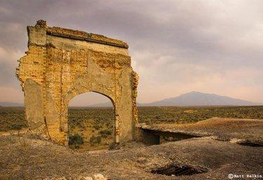 Metropolis Ghost Town, NV. . . . . . . . . . . . #nevada #landscape #ghosttown #abandoned #DFMI #TravelNevada #nvmag #explorenevada #naturalnevada #nevadaliving #onlyinNV #DiscoverNV #alltrails #modernoutdoors #roamearth #rediscovertheearth #ViewBug #earthfocus #TLPicks #OurPlanetDaily #lonelyplanet #lpfanphoto #sonyalpha #usinterior