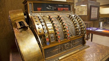 Don't let the old-school cash register fool ya ... admission is always FREE to the Central Nevada Museum in TonopahNevada. Indoor and outdoor exhibits chronicle the exciting history of the area. Open Tuesday-Saturday, 9a-5p. (📸: TravelNevada) #NevadaSilverTrails #NST