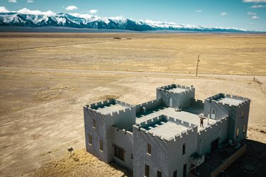 Oh, just casually droning from a castle in the desert. I love my job. Also, this is my favorite band photo ever. (Scroll) +++++++ Just wrapped an epic film for @matadornetwork and @travelnevada. Stay tuned! +++++++ Is Nevada on your bucket list? It should be! +++++++ #GlobalGirlTravels #drone #aerial #dji #mavicpro @fromwhereidrone @djiglobal @droneoftheday @discovererdrone #fromwhereidrone #droneoftheday #discoverdrone #nevada #travelstoke #dontfencemein #travel #pilot #view #adventure #mountains #nv #filmmaker
