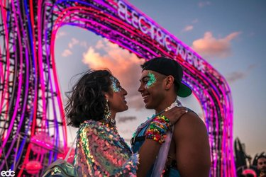 Electric love. ⚡️ Who are YOU bringing with you to #EDCLV2020? 🥰