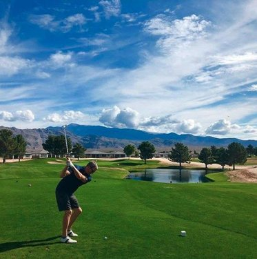 Did you know you can book your tee times at the Mountain Falls Golf Club up to 90 days in advance? Learn more: https://bit.ly/35MSD4Y. 📸: wptseuss