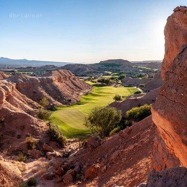 Oasis in the Desert (📸: @brianoar) #NevadaGolf #Oasis . . . . . . . . . . . #Golf #GolfLife #VegasGolf #LasVegasGolf #Vegas #VegasBaby #VegasStrip #LasVegas #TheGolfstagram #GolfAddict #GolfCourses #WhyILoveThisGame #GolfGram #HomeMeansNevada #TravelNevada #OnlyInNV #Golfing #Parnography #PlayOrPerish #DesertGolf #GolfWRX #MyNevada  #GetOutAndWalk #MesquiteGolf #MesquiteNV #Mesquite