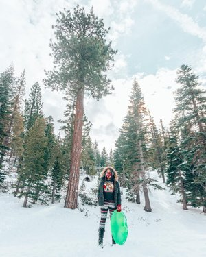 What's the first thing you think of when you hear Lake Tahoe? ❄️🌲  Most likely it's the Lake... for obvious reasons. However during the winter it's all about the snow covered mountains! The Sierra Nevada ridge is home to one of the best ski regions in the country if not the world, with skiheavenly resort being in the center. 🎿⛷🏂  We were lucky enough to stay at the peak of the mountains theridgetahoe_ which was literally slope side & conveniently located adjacent to Heavenly's Stagecoach Express Lift. Even better you don't even need to leave the hotel to start the ski day,  just take the ski in/ski out service via the new Hilltrac Skier Express elevator (a self-operated, 8-passenger gondola-type transport that sits on a track & with the swipe of your room key, it whisks you down the slopeside right to the lift!) As you can see behind me in this photo. 🚡❄️🚠❄️🚟  If you rather go sledding there are loads of safe areas to have fun in the snow with spectacular views of Lake Tahoe, Carson Valley and snowy mountain peaks around you to explore #SierraSafely ❄️🏔🛷 TahoeSouth sierrasafely