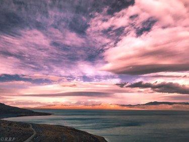 Walker Lake Nevada . . . . . #therealbeardphotography #nevada #walkerlake #instagram #travelmagazine #roadtrip #travelphotography #landscapephotomag #landscapephotography #landscapes #southwest #igsouthwest #westbysouthwest #desert #backroads #photography #desertsky #travelnevada #onlyinnevada #naturalnevada #explorenevada