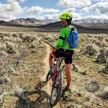 I'm so sorry your heart rate never got over 100 (probably) with my slowness, but I did carry two of your giant fat babies sooooooooooo #getoverit  #mtb #husbands #mountainbiking #dateride #optoutside #bloodyshins #bloodyshinstrail #winnemucca #nevada #travelnevada #dfmi #naturalnevada #howtonevada #mountains #desert