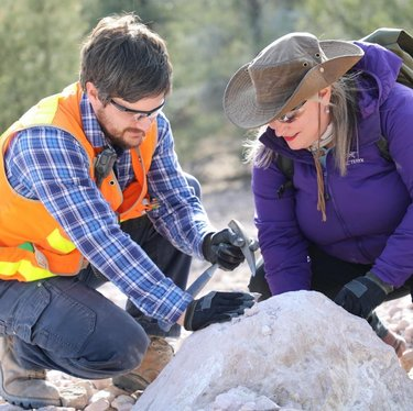 In #Ely, #Nevada we found small garnets that look like the bright red seeds you find inside in a pomegranate. They are beautiful stones that can be find at the #Garnet Hill Recreation Area! You are even allowed to take them home with you.  We're here filming with geologist Brett Wagers for our #travel series #SeeingtheUSA. It's on amazonprimevideo and public TV stations in the USA including #PBS. visitelynevada travelnevada mypubliclands