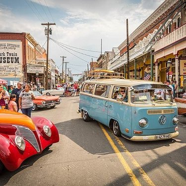 Hot August Nights will be heading up the mountain to Virginia City this weekend! From August 2nd through the 3rd, hundreds of classics, live entertainment, and cruises will be filling up the streets and turning this city into a nostalgic dream. Come join us!