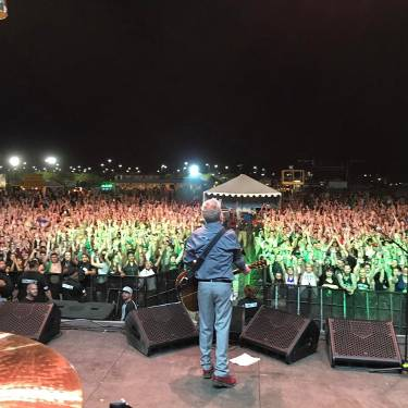 Friends of Arizona! Thank you for sticking around all day and hanging with us! It's been too long and we will be back soon! #floggingmolly #floggingmollyvi ?: @hellonso