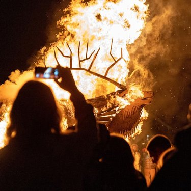 One of our favorite events at The Fire and Ice Winter Festival is the sculpture bonfire. #Callingallartists : who wants to build this year's sculpture? DM us if interested. #visitelynevada #getelevated #howtonevada #nvroadtrip #familyfun #photooftheday #pictureoftheday #epic #awesome #mountaintown #winter #burnbabyburn #burningman #fire #photography @travelnevada @ponyexpressnevada