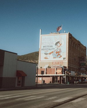 Hotel Nevada. . . . . . . . . . . . . . @travelnevada  @visittheusa  @travel.to.usa  @roadtrippers  #hotel #elrancho #ely #nevada #desert #highway #usa #unitedstates #travelnevada #nvroadtrip #halloween #lonely #roadtrippers #nikon #roadtrip #nikonusa #nikond850 #mynikonlife #nikonnofilter #roadtrippers