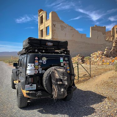 Started the morning with a stop at the Rhyolite Ghost Town. Heading into Death Valley!  #waypointoverland #jeep #jeeplife #jeepwrangler #teamtepui  #overland #overlanding #traveler #explorer #adventure #expedition #travel #explore #offroad #travelphotography  #4x4life #adventure #outdoorgear #outdoorlife #overlandcommunity #overlanders #overlandlife #overlandvehicle #rooftoptent #travel  #traveltheworld  #adventuretravel #adventurevehicle #carcamping #offroadlife #lasvegas #vegas