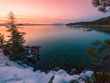 Thinking of heading up to Tahoe South this weekend? Know Before You Go: Review the latest COVID-19 Travel News and Resources for Tahoe South by clicking on our profile link.  Image appears courtesy: Lake Tahoe Visitors Authority (Photo taken January 2018)