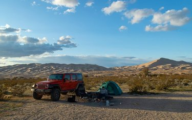 The Mojave National Preserve is full of awesome camp spots, if you know where to look.  #desert #mojavenationalpreserve #mojavedesert #camplife #camping #homeawayfromhome  #offthegrid #mountaintrolls #kelso #dunes #sand #campfire #adventures #jeep