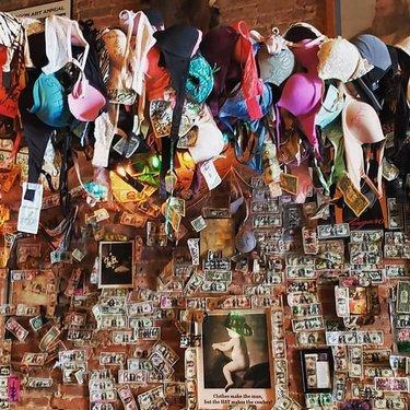 Just hanging around in the Silver Dollar Saloon. [📸 xtonyc] ⠀⠀⠀⠀⠀⠀⠀⠀⠀ ⠀⠀⠀⠀⠀⠀⠀⠀⠀ ⠀⠀⠀⠀⠀⠀⠀⠀⠀ ⠀⠀⠀⠀⠀⠀⠀⠀⠀ ⠀⠀⠀⠀⠀⠀⠀⠀⠀ ⠀⠀⠀⠀⠀⠀⠀⠀⠀ ⠀⠀⠀⠀⠀⠀⠀⠀⠀ ⠀⠀⠀⠀⠀⠀⠀⠀⠀ ⠀⠀⠀⠀⠀⠀⠀⠀⠀ ⠀⠀⠀⠀⠀⠀⠀⠀⠀ #virginiacity #onlyinvc #visitvirginiacity #virginiacitynv #stepbackintime #travelnevada #comstock #history #nevada #renotahoe #travel #historictown #dfmi #renotahoeusa #miningtown #boomtown #oldwest #saloon #silverdollarsaloon #bras