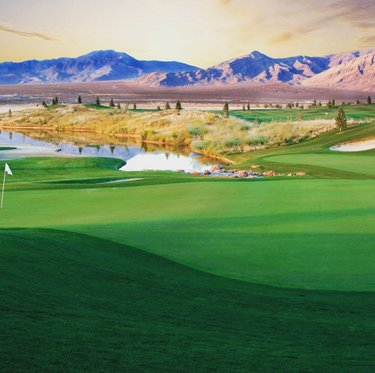 Who wouldn't like this view?  Call us for more info. 775.253.1697 #daytrip #golfcourse #golfcourse