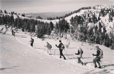 Making trails 🏔️ . . . #Tahoe #snowshoeing #msrsnowshoes #peak #renotahoe #tahoenorth #tahoelife #laketahoe #lakelife #peakbagging #reno #travelnevada #olympus #olympustg5