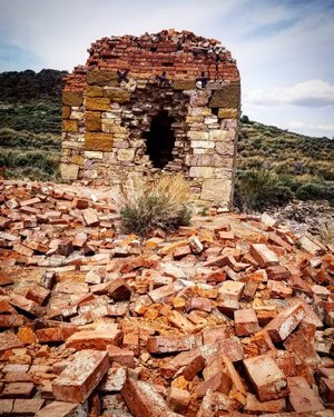Remains of a hotel from the late 1800s at Hamilton, Nv. All that still stands is the hotel's safe.  Traveled with nevadaexpeditions  #abandoned_addiction #abandonedamerica #amazingcaptures #greatphoto #abandoned_world #abandoned #abandoned_junkies #abandonedplaces #abandoned_seekers #abandoned_seekers_ #ghosttown #wildwest #nevada #photooftheday #photography #travelhappy #travelphotography #landscapephotography #landscape #landscape_love #america #awesome_earth #awesome_shots #travelnevada #oldtimephoto #sweet #travel #roadtrip #abandon