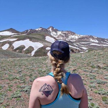 Oh hello there, Granite.  #granitepeak #mountains #santarosas #dfmi #travelnevada #naturalnevada #explorenevada #optoutside #trailmom #mountaingirls #nature #highdesert #adventuring #choosemountains #forceofnature #tattoos
