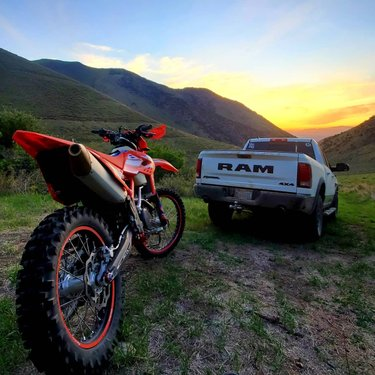 Sorry I missed your facetime. Taking this was way more importanter.  #betamotorcycles #motocamping #austinnevada #samsungs10plus #adv #advmoto #explorenevada #beta350rr #ramrebelnation #ramtrucks #sunset