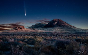 Nocturnal Visitor #comet #neowisecomet #nevada #nevadadesert #astrophotography