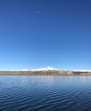 Feeling calmness 📍South Fork Reservoir, Nevada . . . . . . #roykero #nature_brilliance #wonderlust #naturephoto #nature_lovers #natureonly #thephotosociety #naturegram #naturelover #earthpix #naturephotography #natureshots  #theimaged #travelblogger #travels #moodygrams #nevada #nevadadesert #elko #elkonevada #wilderness_culture #wildernesslife #mountain_world #mountaineers #mountainpeak #lakeview #lakeliving #naturegeography #natures_hub #shotoniphone
