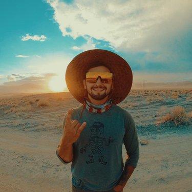 No phone + desert races = pure happiness