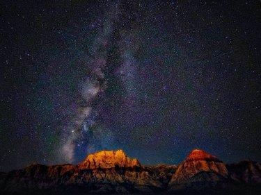 By - djmikeyswift 📱LG G7 Red Rock Canyon - USA 🇺🇲  USE - #smartphoneshotz  #smart_phone_shotz  Shot on phone in manual mode. It is 5 images stacked for noise reduction. ISO 1200 F1.9 20 Seconds --- #nevadadesert #nvusworldwide #nightskyline #nightshot #starset #roadtripusa🇺🇸 #pointandclickadventure #explorationdot #NightPhotography #NightShooters #NightShooterz #LongExposure #LongExposure_Shots #NightImages #NightPics #StarPhotography #NightScape #MilkyWayGalaxy #AstroPhotography #Photography #WideAngle #LG #LGMobile #LGG7 #ShotOnLG #ShotOnLGG7