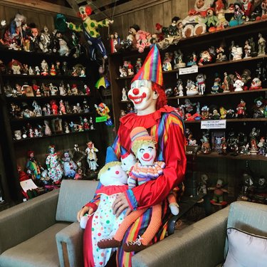 Saw a few colorful characters around #TheClownMotel clownmotelphotos  #scarymotels #clowns #nevada #tonopah #roadtrip #explorenevada #halloween #scary  #uniqueplaces #weird