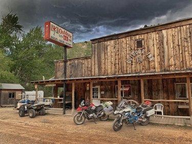 Preferred Parking at the Outdoor Inn. Jarbidge, Nevada.  #BattleBornAdventureReady #AWorldWithinAStateApart #ExploreNevada  #Nevada  #NevadaLife #DontFenceMeIn  #TravelNevada #NevadaBackroads #NevadaBackcountry #only_in_nevada  #bmwr1200gs  #adventureriding  AltRider_official #BeemerBuddies  ClearwaterLights  #DarlaLights #EricaLights #BillieLights #DoubletakeMirror #gpscity  greenchileadv KLIM KlimMotorcycle Moto_Skiveez MotoPockets Redverz RoxSpeedFX #Sena WeiserTechnik  #jarbidge #jarbidgenevada #outdoorinn #stormclouds bmwmotorrad