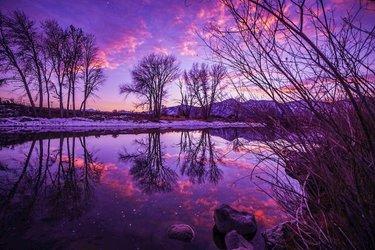 #mycarsonvalley #whycv #gardnerville #nvmag #jobspeak #winter #refelctions #sunset #sky #sunsetphotography #getoutside  #optoutside #rei #canonphotography #nature