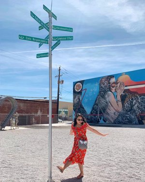 It's been a while since I've been to Reno, and I must say, it isn't half bad. Loving all the #burningman stuff. #reno #nevada #travelnevada travelnevada