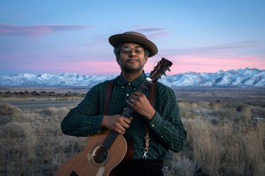 @rorydoylephoto here, continuing my takeover this week. For those who regularly attend the gathering in Elko, you're familiar with the incredibly talented @DomFlemons. I made this portrait of Dom at this year's event and wrote a short piece for Outside Magazine about his award-winning