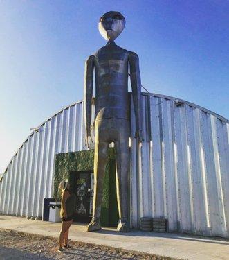 Yuh yuh yuh👽🛸✌️ #alienresearcenter #rachelnevada #rachel #travelnevada #nevada #explorenevada #aliens #ethighway #yesnevada #hiko #hikonevada #weird #spacestuff #ufo #ibelieve
