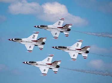 Flying to Reno this September! @afthunderbirds let's do this! 🤘🤘 #RenoAirRaces