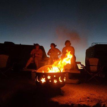 #cartyparty #campinglife #camping #lakelohontan #highdesert #nevada #nevadadesert #campfire #family #familytime #goofy #goofycouples #goofyfamily tazfreak12 itz_your_boi_dakota_