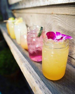 Hydrate with our craft cocktails 🍹 . . . #parkonfremont #fremontstreet #thirstythursday #craftcocktails #patiodrinks #patioszn #dtlv