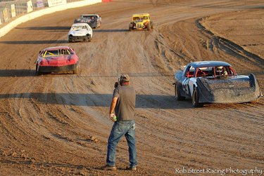 """Describe """"Dirt Racing"""" with one photo...""""Mission Accomplished""""🏁 #pahrumpvalleyspeedway #robstreetracingphotography"""