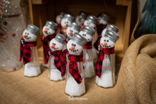 Snowmen salt shakers