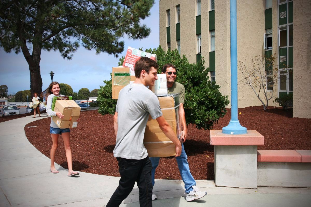 Campus move in