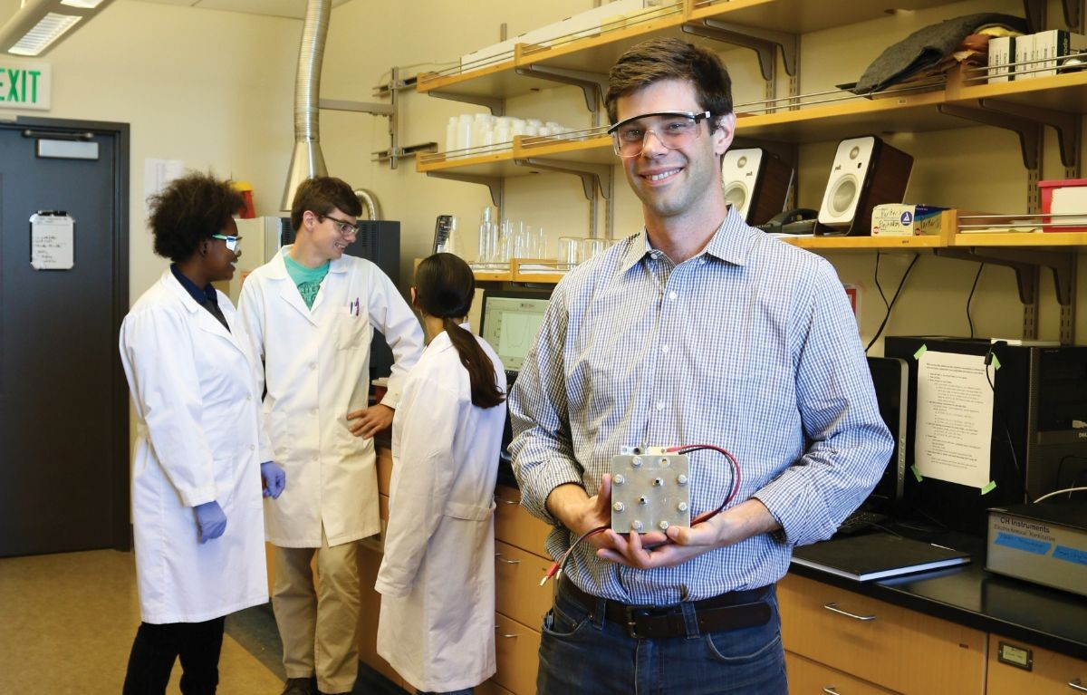 John Goeltz and students in CSUMB's Laboratory for Applied Electrochemistry.