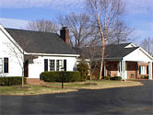 Maddux-Fuqua-Hinton Funeral Home - Pembroke Location Exterior