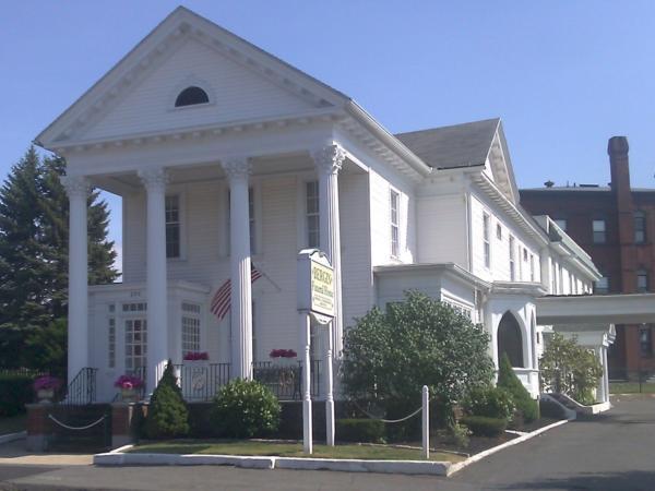 Bergin Funeral Home Exterior