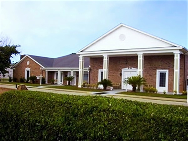 Kent-Forest Lawn Funeral Home Exterior