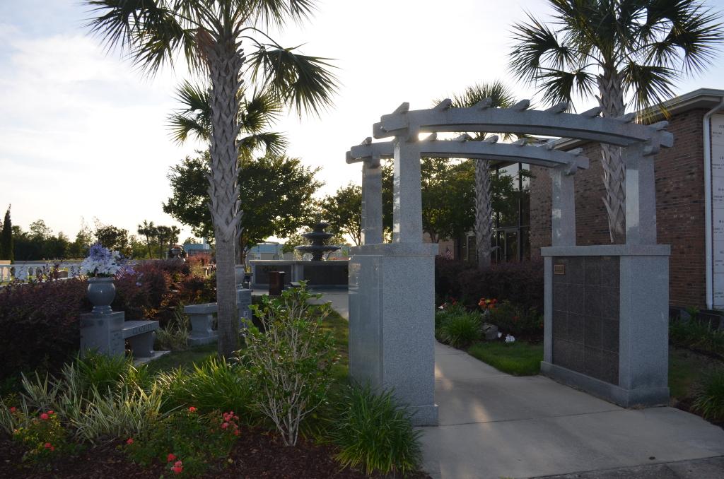 Love Cremation Garden Trellis