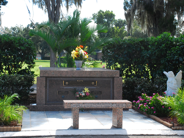 lakeland memorial gardens grounds - Lakeland Funeral Home And Memorial Gardens